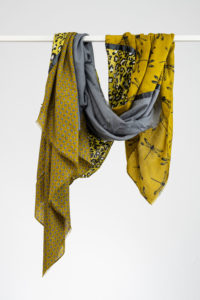 Viereckstuch groß grau/gelb